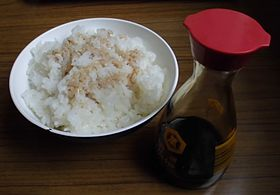 280px-Soy_sauce_and_Rice_20121111