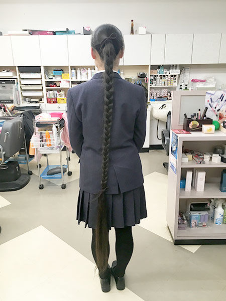 The-longest-hair-on-a-teenager-in-braids_tcm30-520832