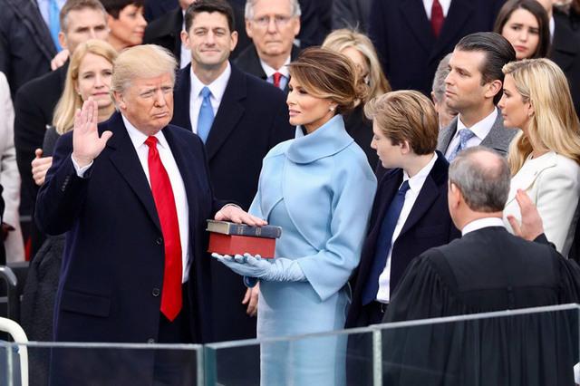 【衝撃】トランプ大統領、逝くwwwww